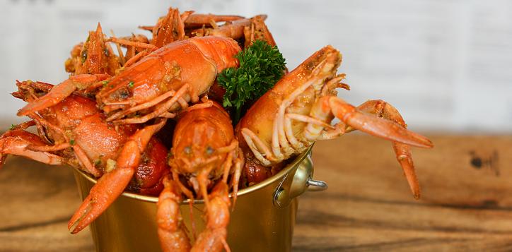 crazy-crayfish-seafood-buffet