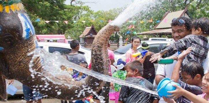 songkran-water-festival-bangkok-2